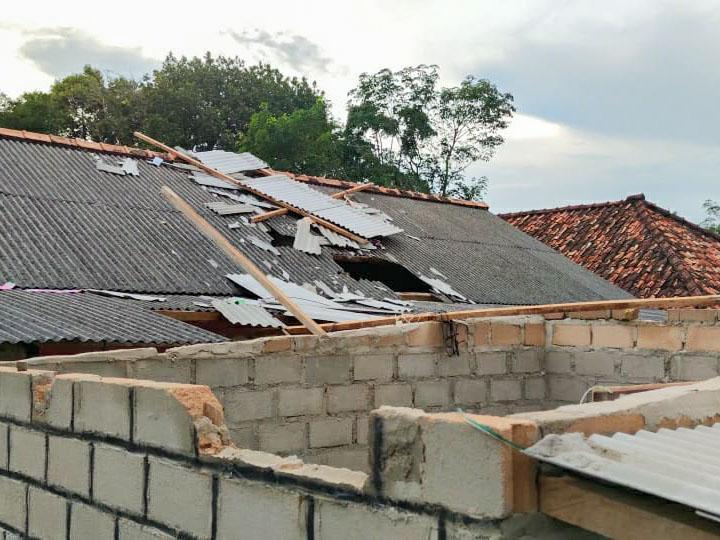 30 Rumah Rusak Diterjang Puting Belitung di Toboali