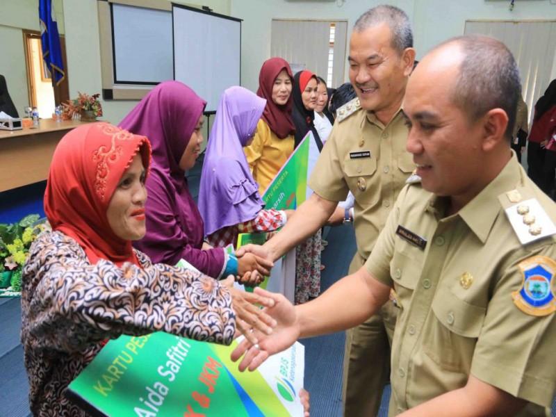300 KK Pekerja Informal di Pangkalpinang Dapat Asuransi Ketenagakerjaan