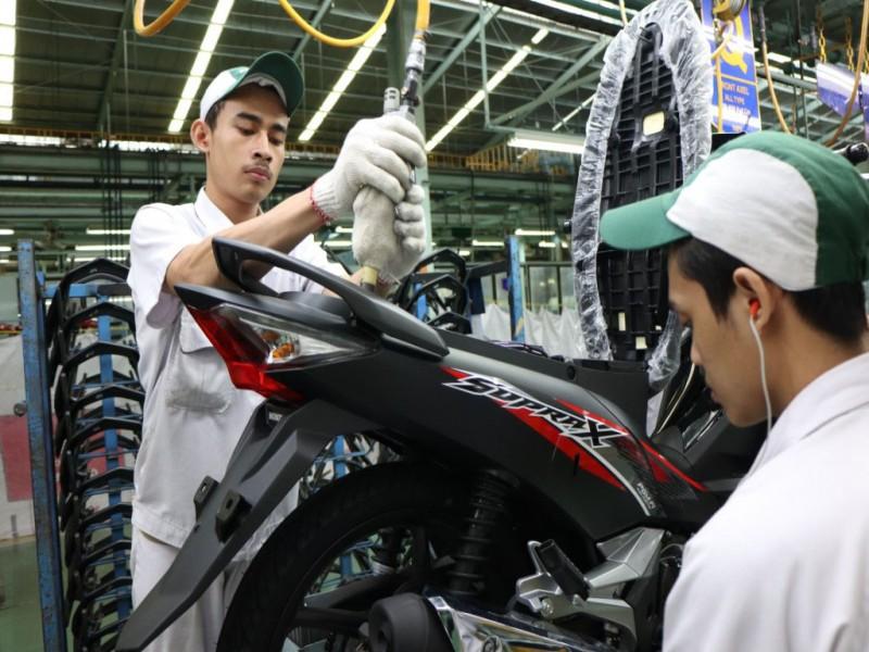AHM Luncurkan Desain Stripe Baru Honda Supra X 125 FI