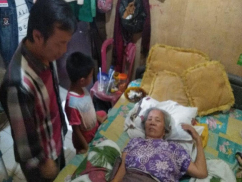 Bantu Warga Sakit, Hendriyansen : Peduli Sesama Tidak Harus Menunggu Momen Pileg