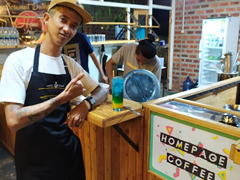 Cafe Homepage Coffe, Kafe Berkonsep Taman Nan Asik