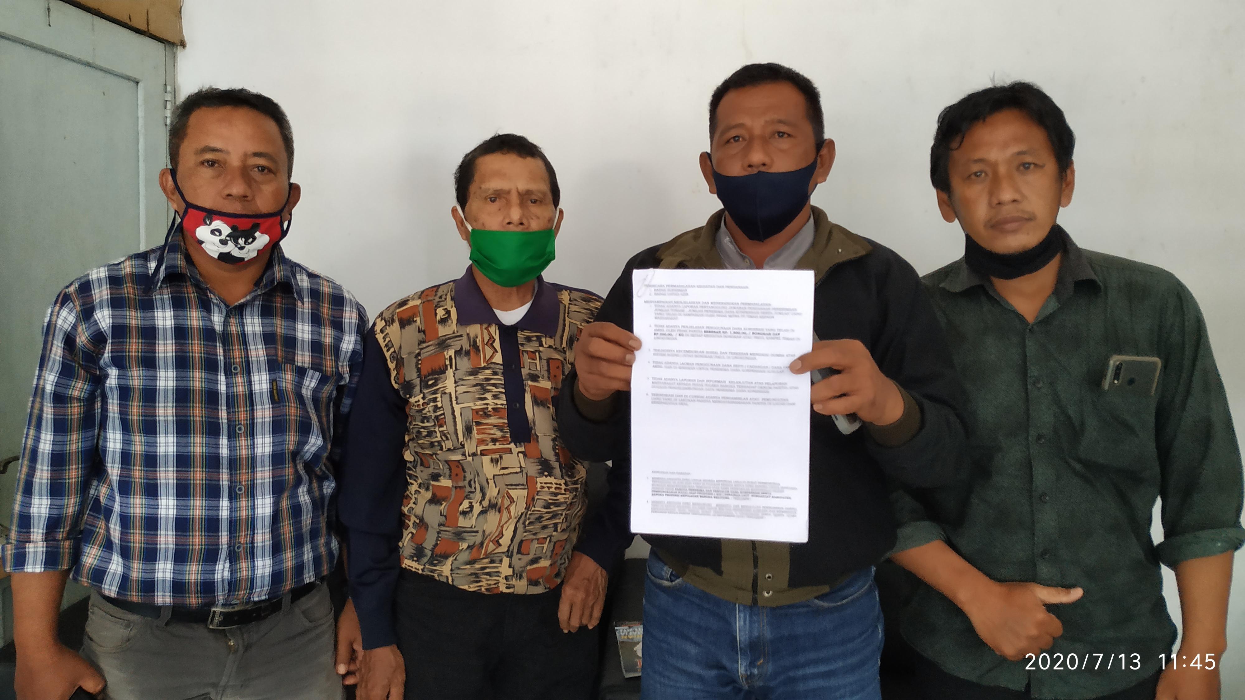 Datangi DPRD, Ratusan Warga Pesisir Minta Panitia Kompensasi Dibubarkan