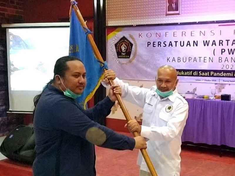 Dedy Irawan Resmi Jabat Ketua PWI Bangka Selatan Periode 2020-2023