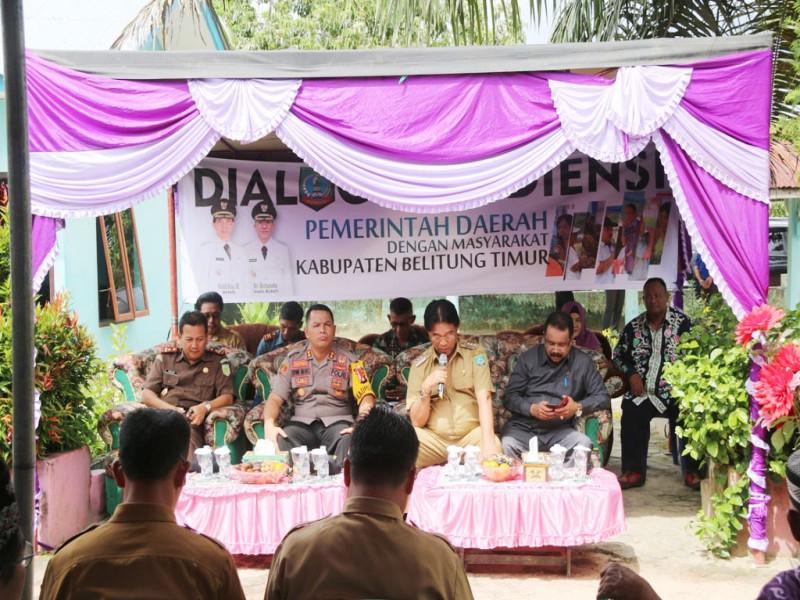 Dialog dengan Bupati, Masyarakat Beltim Keluhkan Kondisi Jalan yang Rusak