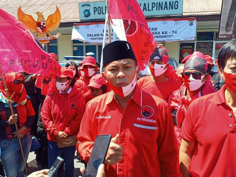 DPC PDIP Pangkalpinang Lapor ke Polres Atas Tindakan Pembakaran Bendera Partai