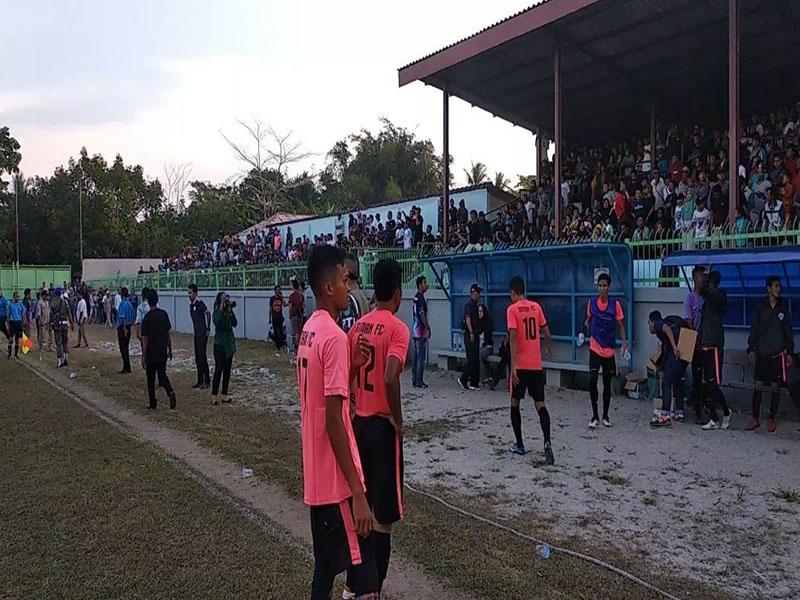 Final Bupati Bangka Cup 2019 Diwarnai Aksi Pelemparan Botol