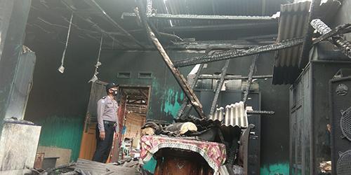 Gara Gara Bakar Sampah, Rumah, Toko dan Mobil Milik H.Saparudin Ludes Dilahap Sijago Merah
