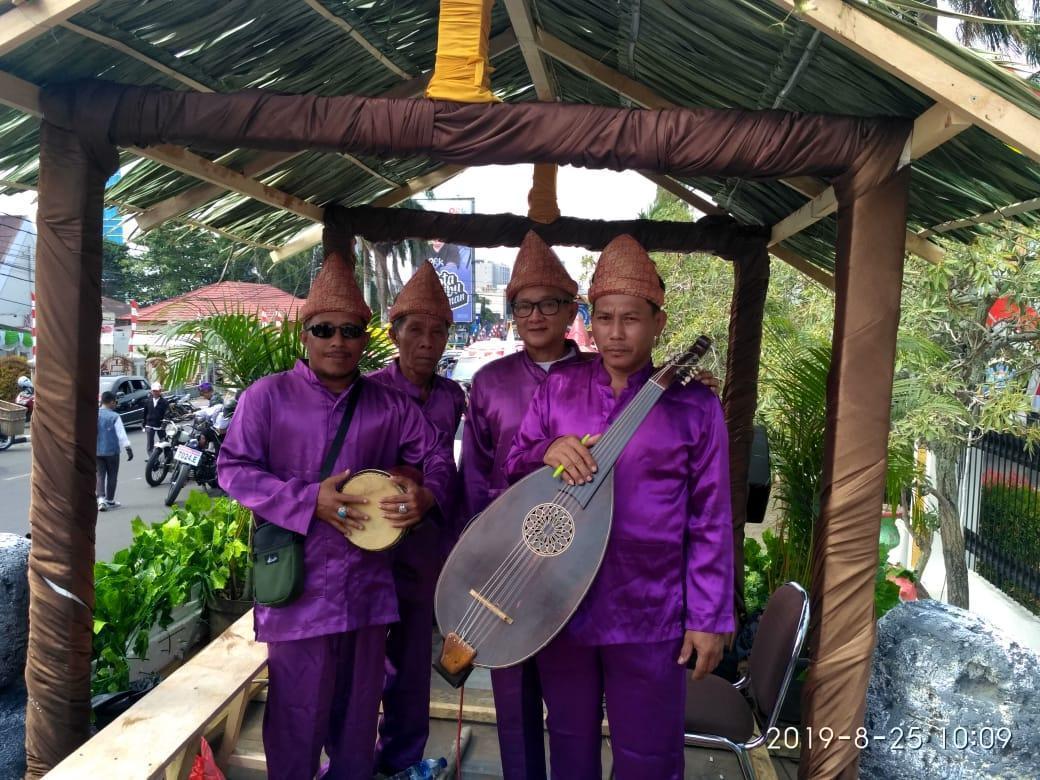 Gara-gara Jatuh Hati Dengan Dambus, Dato Kurnia Bisa Keliling Nusantara