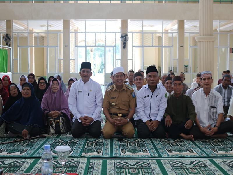 Gelar Manasik Haji Terakhir, Bupati Ajak Calon Jemaah Doakan Kabupaten Bangka Tengah