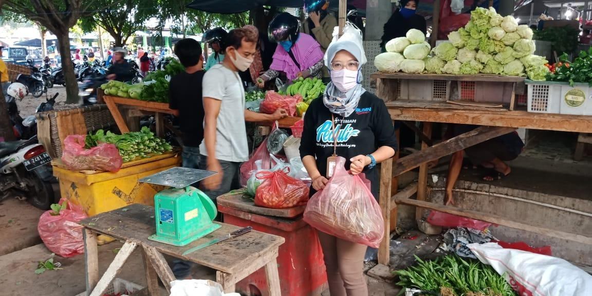 Gerakan Ekonomi Pedagang Unmet PT. Timah Tbk Belanja di Pasar Muntok
