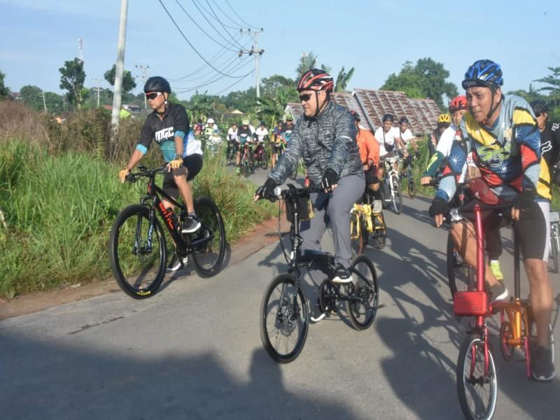 Good Bye 2019, Gubernur Babel Ngincang Sepeda 35 Km Bareng Kapolda