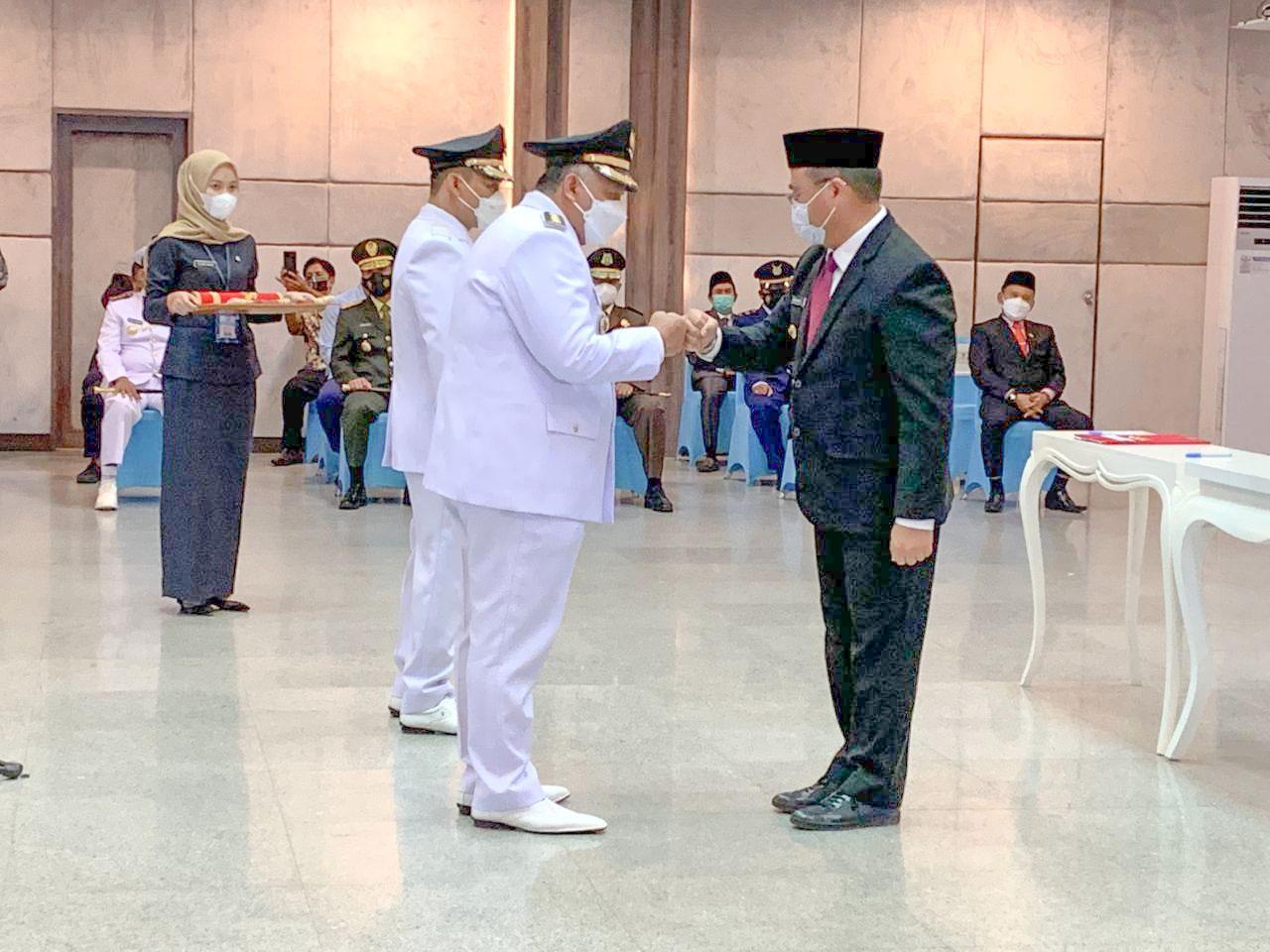 Gubernur Erzaldi Lantik Bupati dan Wakil Bupati Bangka Barat