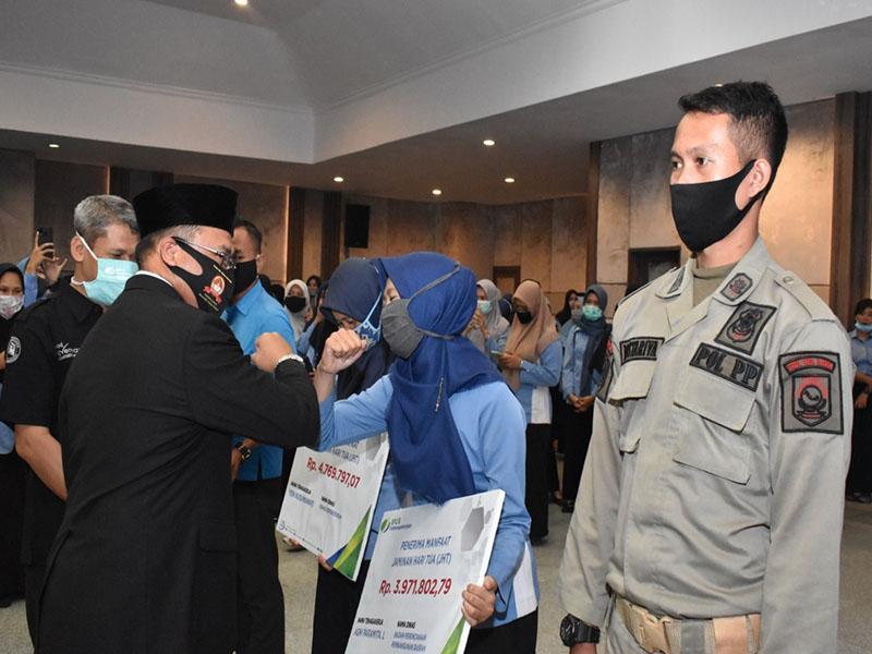 Gubernur Erzaldi Minta PHL dan Ahli Waris tidak Salah Gunakan Dana Santunan