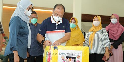 Gubernur Terima 1000 Botol Susu Peningkat Imunitas Karya Anak Negeri