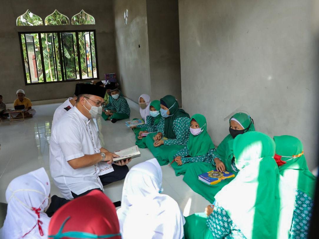Guru dan Anak Didik SD MIN 1 Belitung Dapat Motivasi dari Gubernur Erzaldi