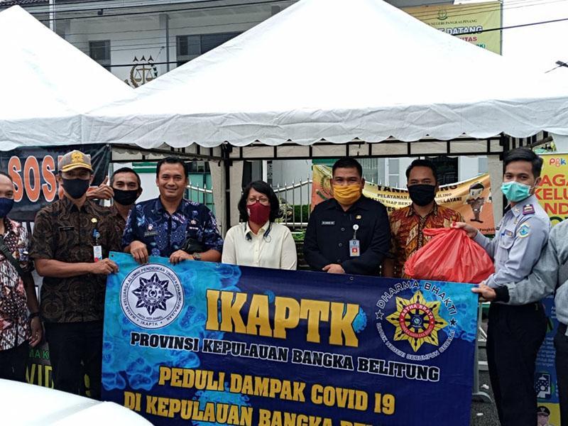IKAPTK Babel Serahkan Bantuan Paket Sembako ke Posko Pokja Wartawan PGK