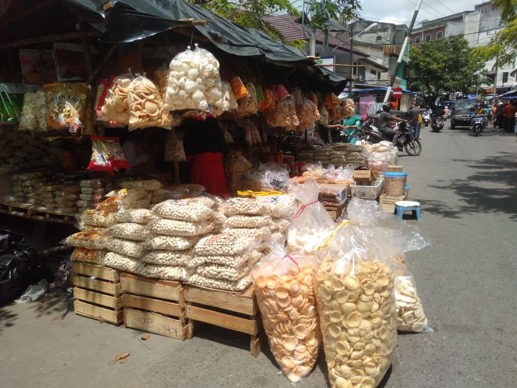Jelang Lebaran, Penjual Kue Menjamur di Pasar Sungailiat
