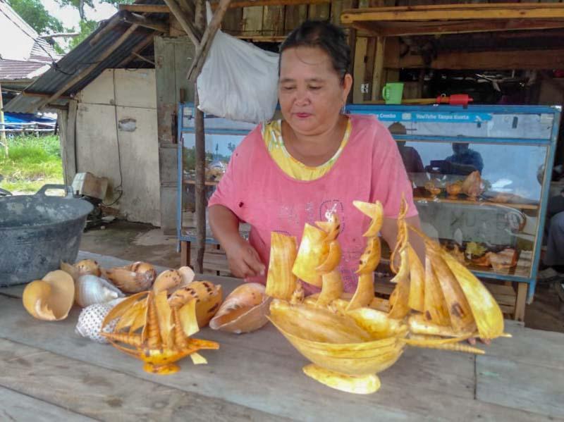 Kerajinan Cangkang Kerang Tunjang Sektor Pariwisata Belitung Timur