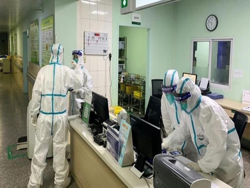 Korban Tewas Corona Kini 902 Orang, Lebih Banyak dari SARS