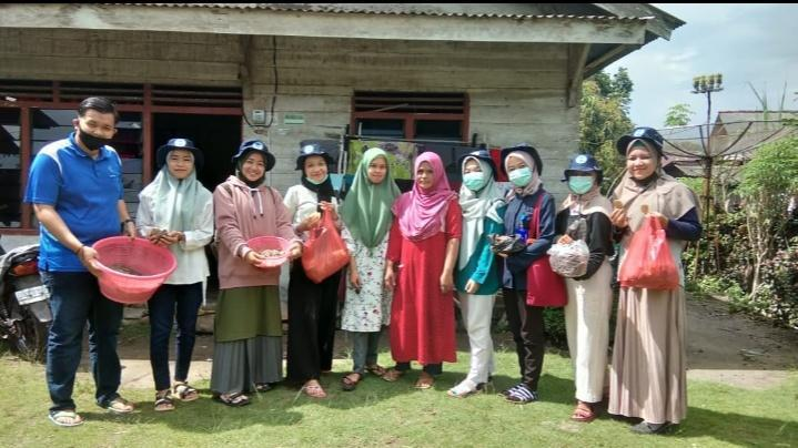 Lima UMKM Desa Banyuasin Dapat Perhatian Mahasiswa KKN UBB