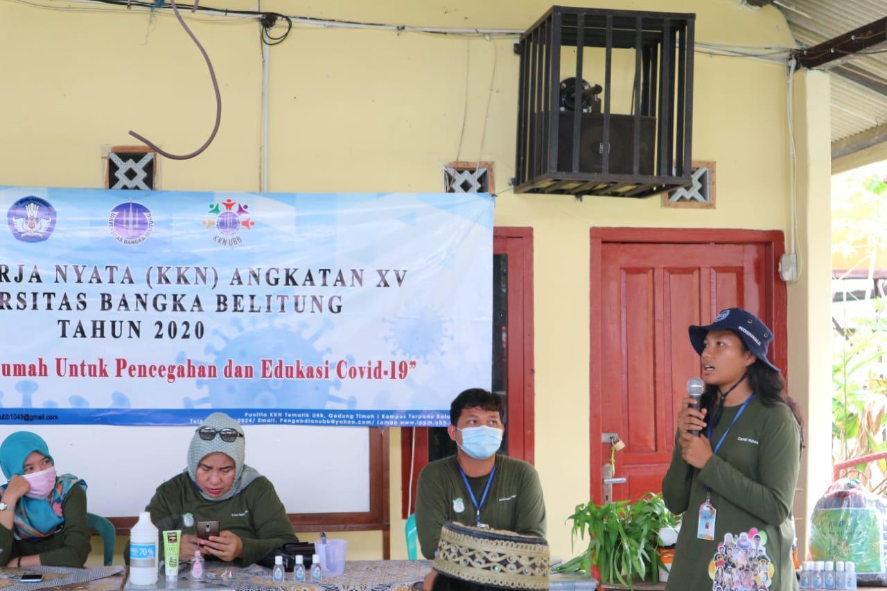 Mahasiswa KKN PPM Ristek UBB Desa Karya Makmur Gelar Workshop Pembuatan Handsanitizer