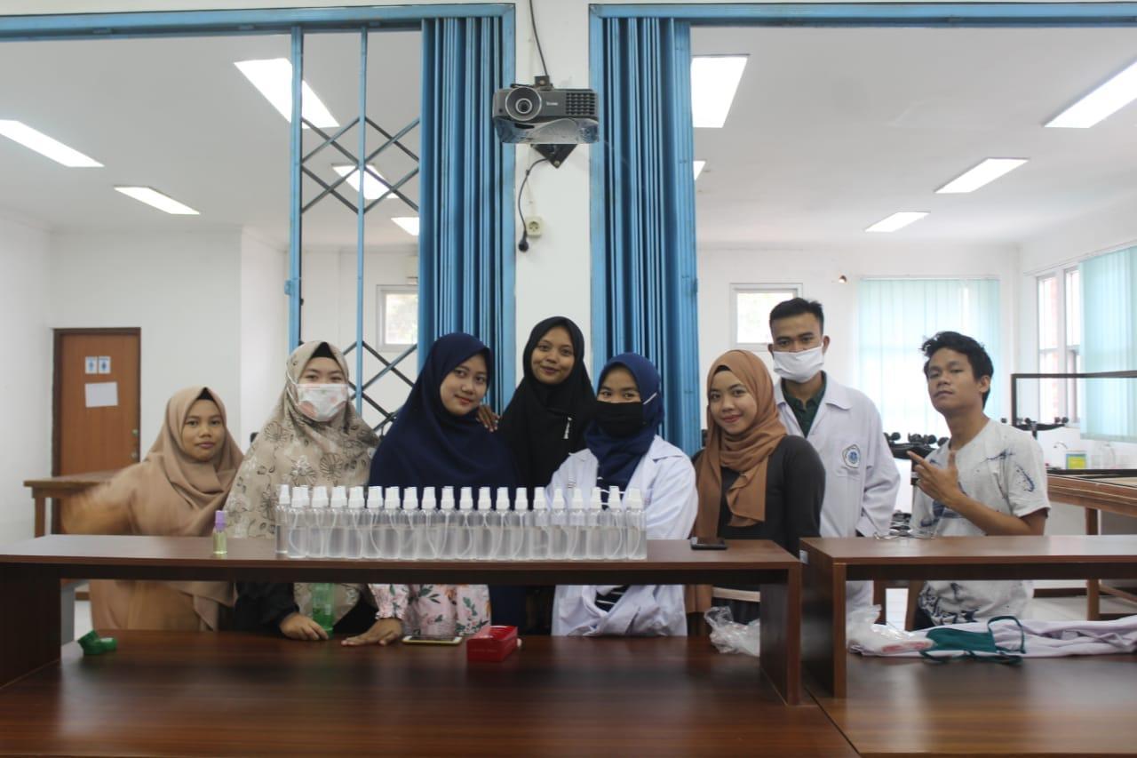Mahasiswa KKN Tematik UBB Romodong Indah Ciptakan Hand Sanitizer Lidah Buaya
