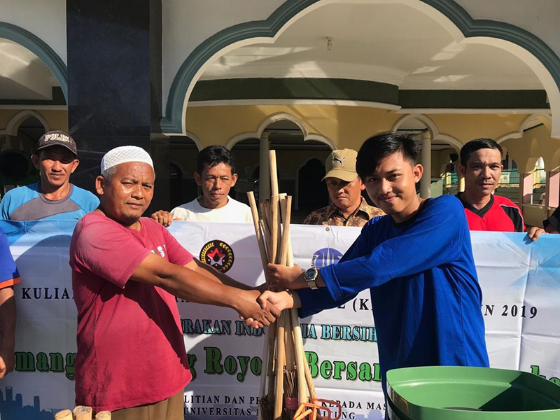 Mahasiswa KKN UBB Ajak Masyarakat Tua Tunu Gotong Royong
