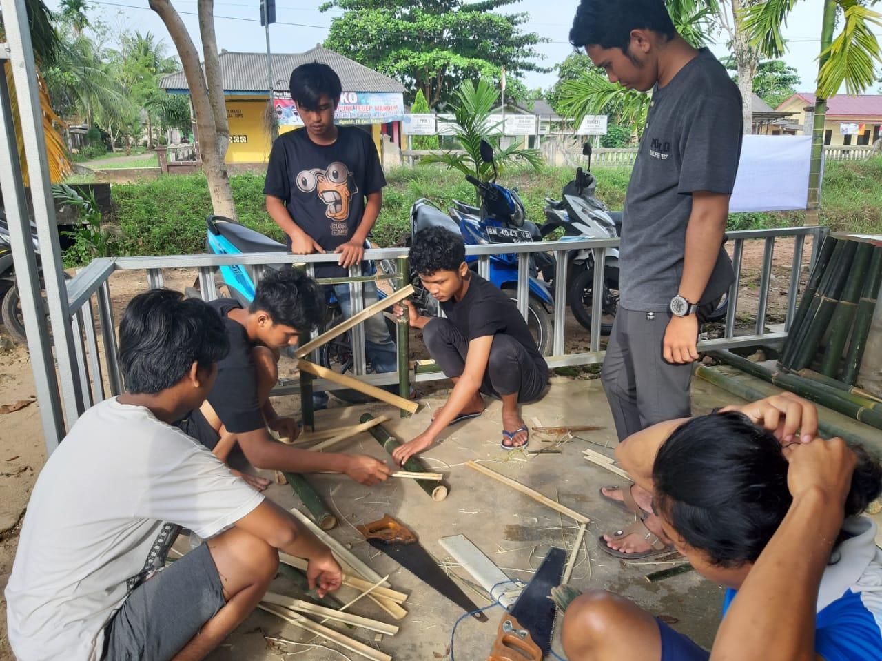 Mahasiswa KKN UBB Desa Rias Jalankan Program Berkemas