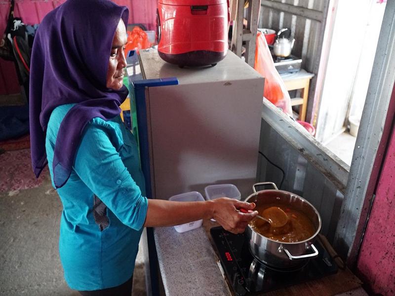 Makin Modern, Penjual Kuliner di Kampoeng Rasau Gunakan Kompor Induksi