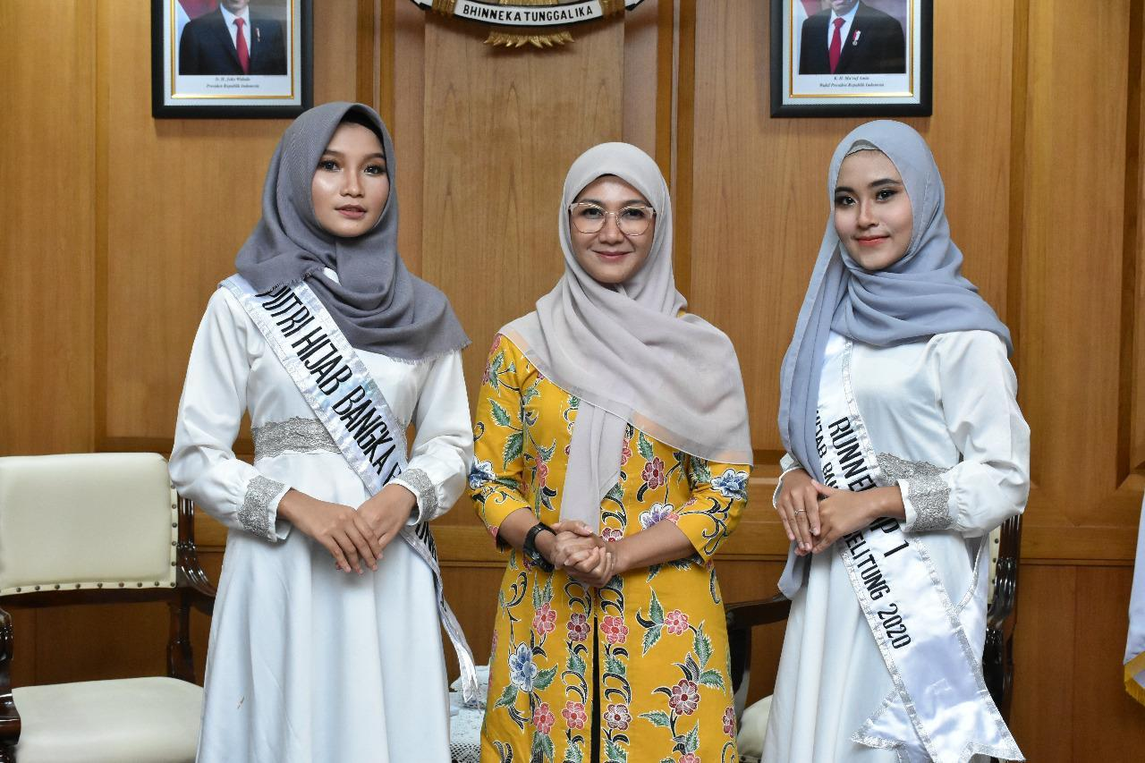 Melati Erzaldi Bertemu Juara Putri Hijab Babel