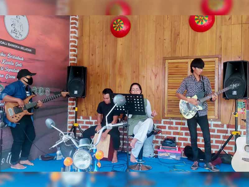 New Lesehan Green Kini Tampilkan Live Akustik