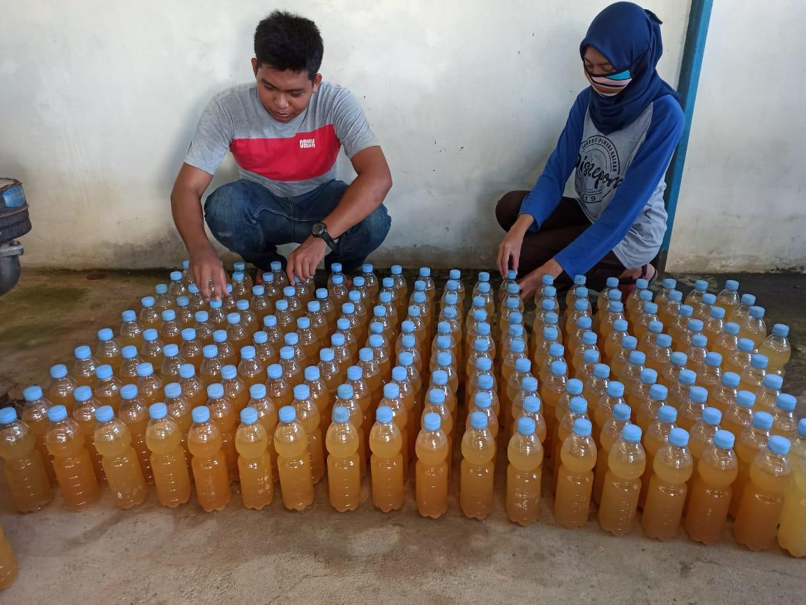 Olah Sampah Pasar Pagi, Mahasiswa KKN UBB Produksi 800 Botol POC Siap Dibagikan