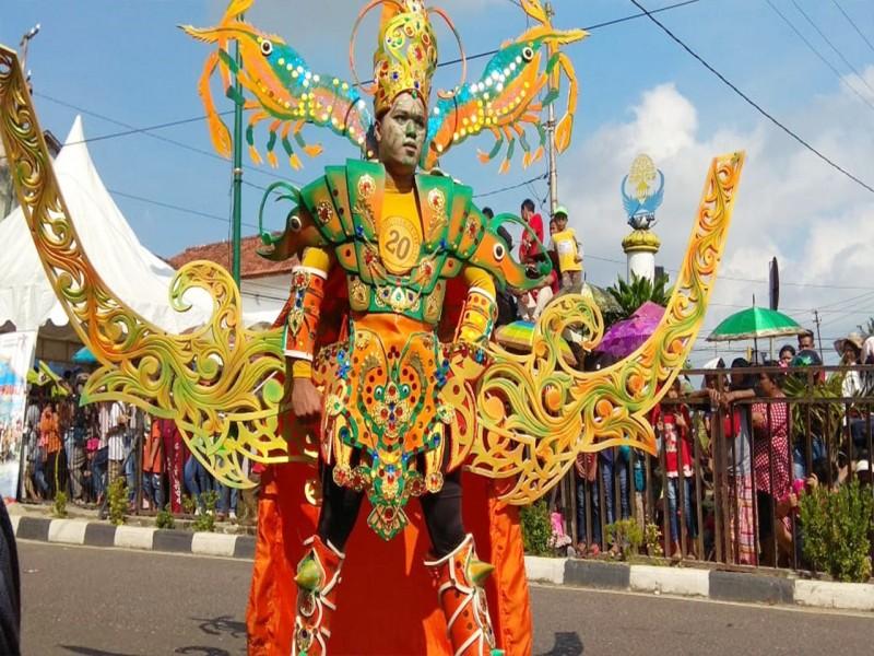 Parade Foto Keren dan Unik di Fashion Karnival Toboali City On Fire 2018