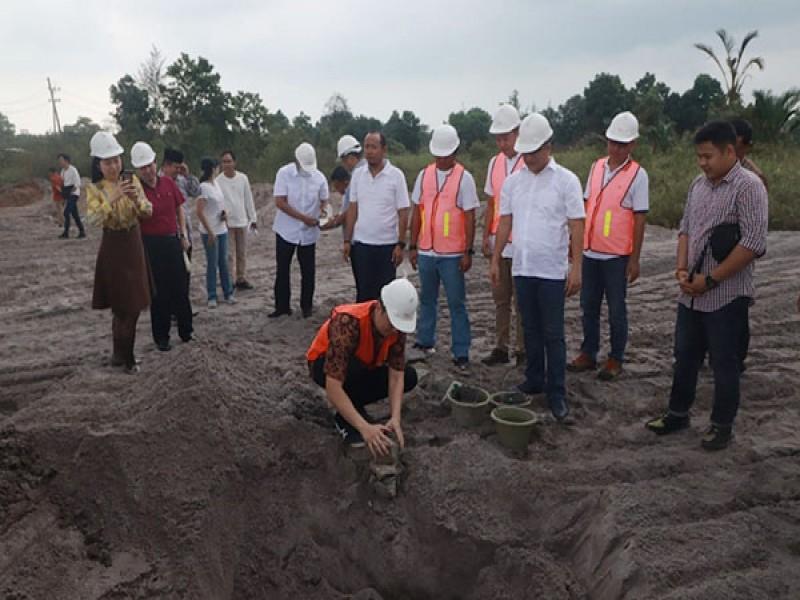 Parade Foto Peletakan Batu Pertama Pembangunan Batching Plant Air Anyir