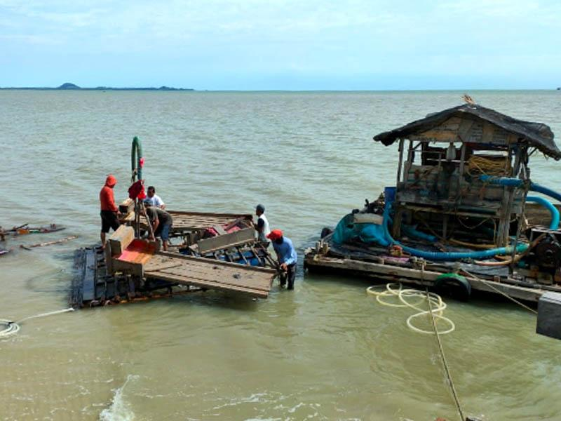 Penambang Tetap Bandel, Polisi Akhirnya Bongkar Ponton TI di Perairan Toboali
