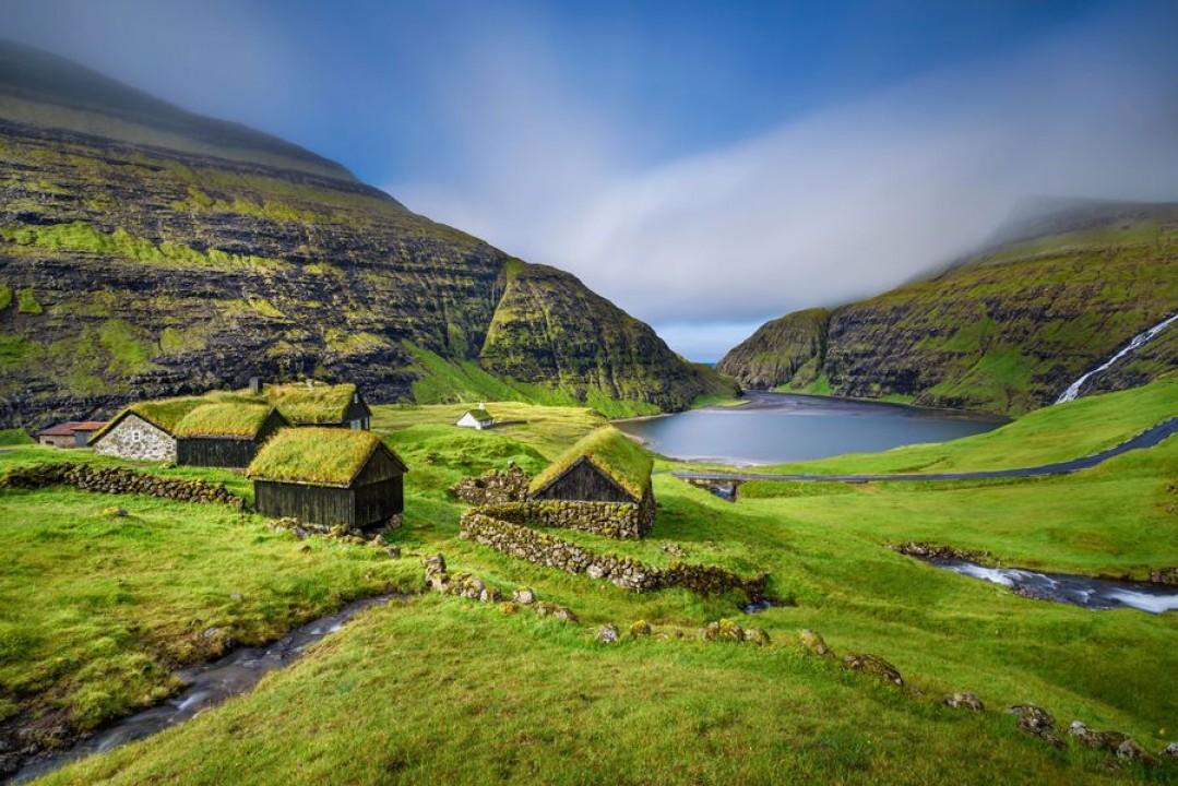Faroe Islands merupakan kepulauan yang masih masuk dalam Denmark. Daerah ini sangat pas bagi traveler yang suka dengan hiking dan treking. (Detik Travel/Thinkstock)