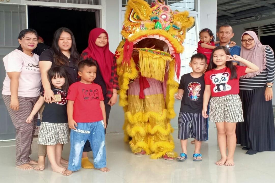 Saling berkunjung (bertamu) pada perayaan imlek, sudah mentradisi dalam tatanan kehidupan masyarakat Bangka Belitung. (Foto: babelreview)