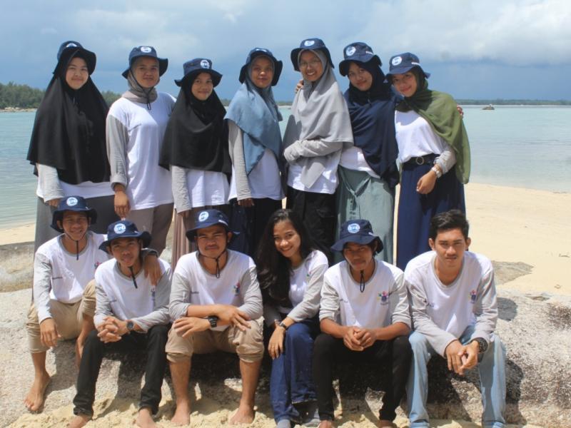 Mahasiswa KKN UBB Romodong Indah melakukan kunjungan ke Pulau Putri Pantai Penyusuk Kelurahan Romodong Belinyu Kabupaten Bangka, Selasa (21/7/2020). (Ist)