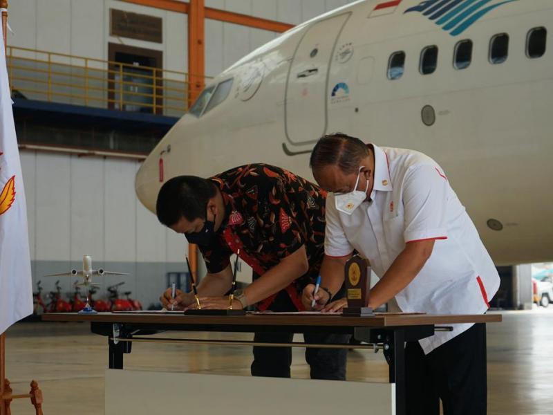 Maskapai penerbangan nasional Garuda Indonesia bersama Komite Olahraga Nasional Indonesia (KONI) Pusat menjalin kerjasama, Jumat (7/5/2021). (ist)