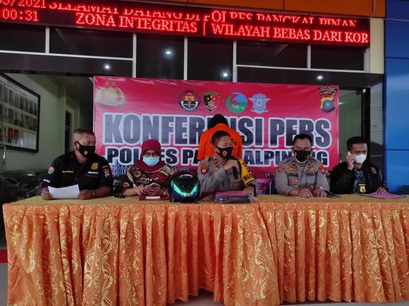 Pelaku berinisial IZ, terduga pelecehan seksual terhadap seorang di salah satu tempat ibadah ini, berhasil ditangkap Tim Naga Polres Pangkalpinang, di Desa Sempan Kabupaten Bangka, Kamis (20/5/2021). (ist)