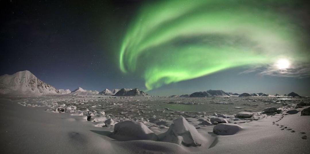 Svalbard jadi destinasi terpincil di Norwegia. Selain berselimut salju, daerah ini juga jadi tempat yang pas untuk menikmati fenomena aurora da midnight sun. (Detik Travel/Thinkstock)