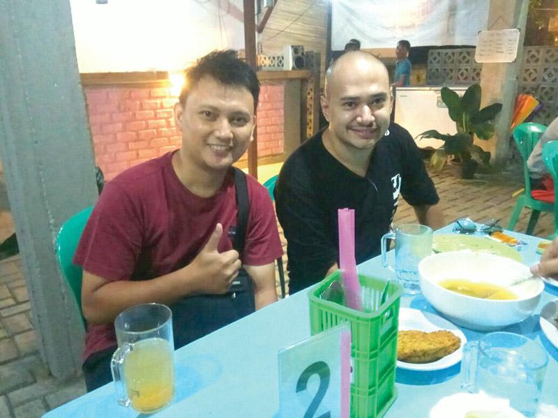 Pondok Djok-Djok, Husein Idol Pun Makan Disini