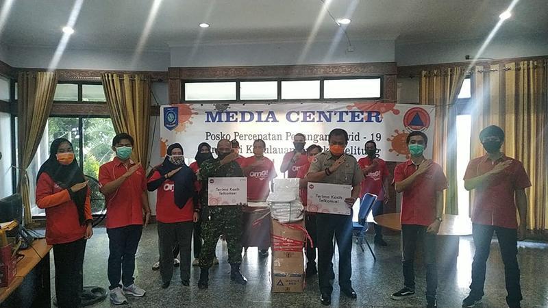 PT. Telkomsel dan PT. SBS Salurkan Bantuan Berupa Alkes Tenaga Medis
