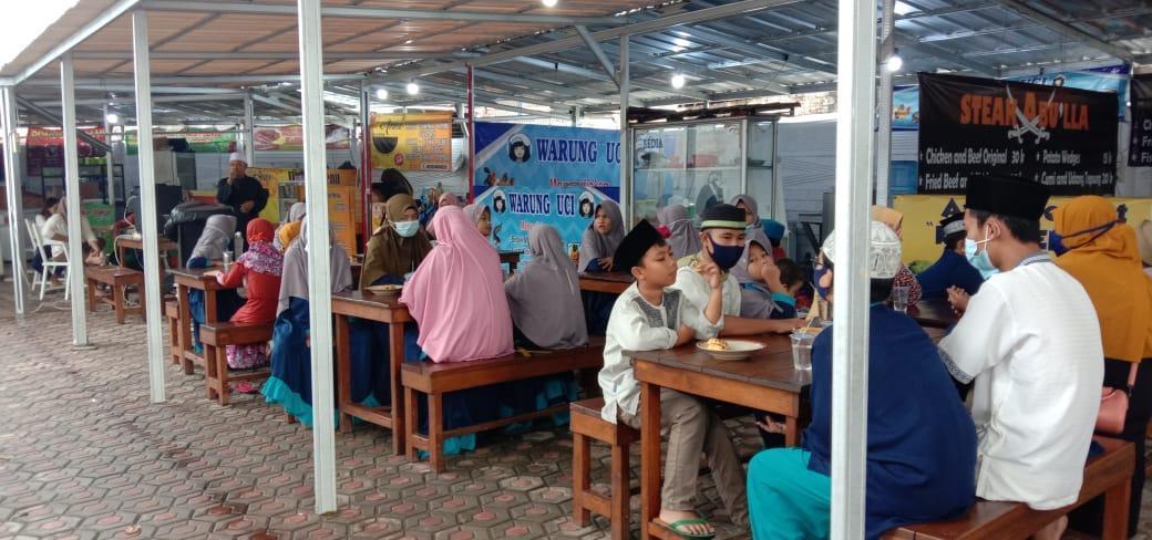 Pusat Jajanan Kuliner Kampungku Berbagi Rezeki Jumat Barokah, 200 Anak Panti Asuhan Gratis Makan Minum