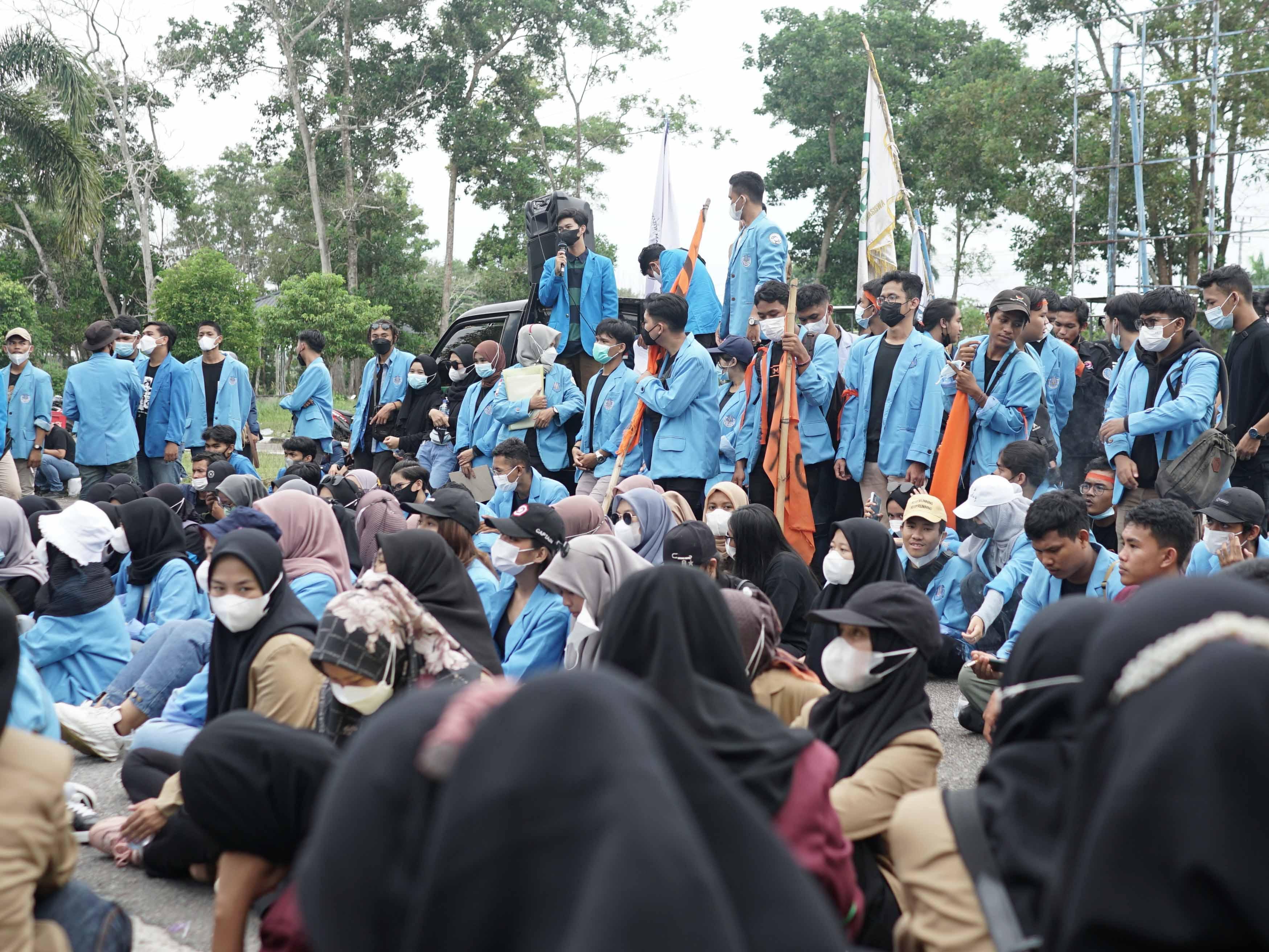 Ratusan Mahasiswa Babel Unjuk Rasa Menuntut Evaluasi Pemerintahan Jokowi-Ma'ruf