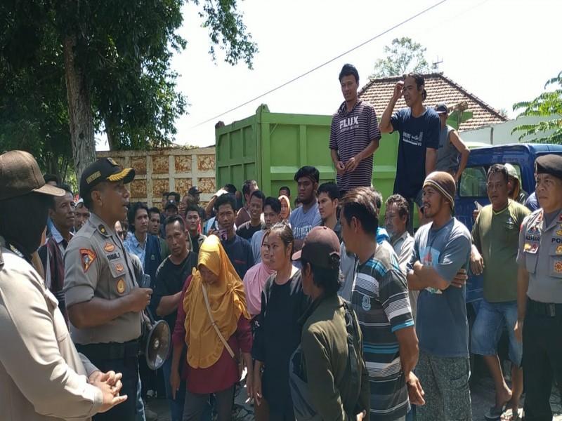 Ratusan Nelayan Tuntut Polres Bangka Hentikan Penyidikan Delapan Nelayan Kasus Penganiayaan