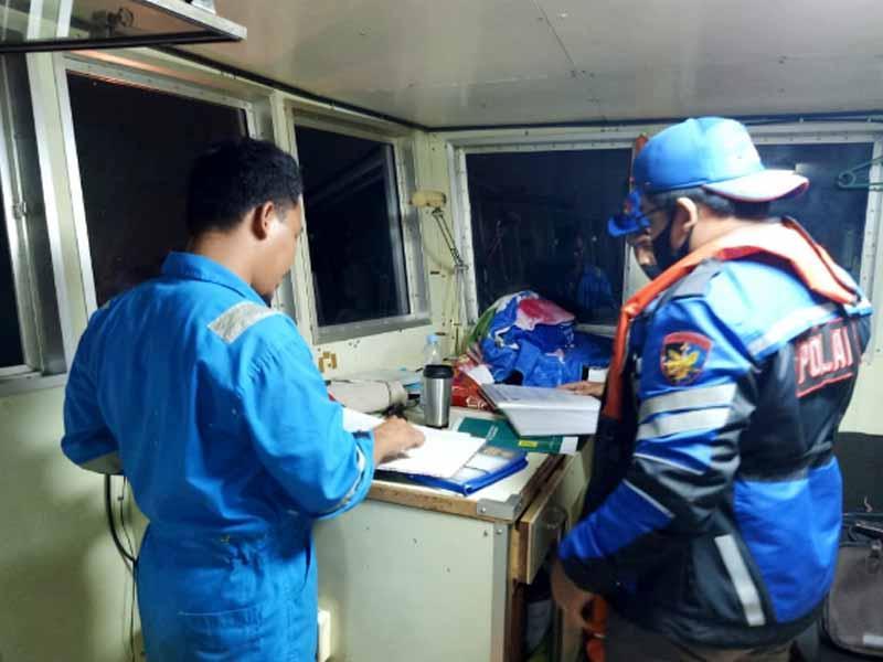 Sebanyak 48 Penumpang Selamat Setelah Kapal Kandas di Perairan Gusung Karang Aji