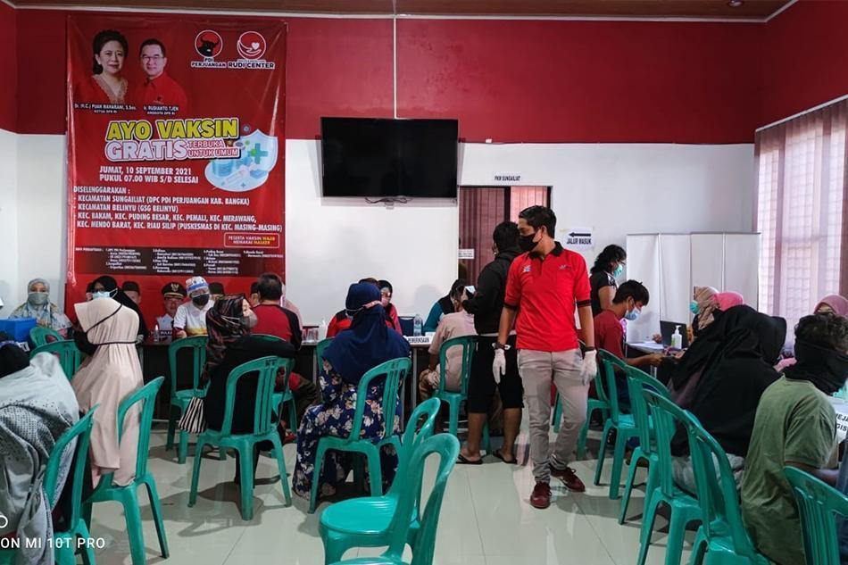 Siapkan 4.000 Dosis, DPC PDI Perjuangan Gelar Vaksinasi Gratis di 8 Kecamatan