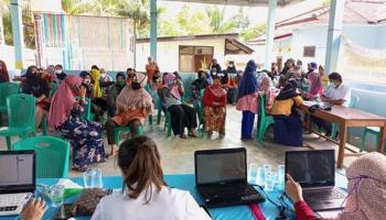 140 Warga Desa Bukit Layang Ikut Vaksinasi Covid-19