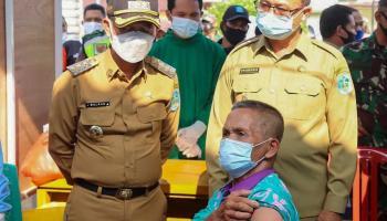 150 Lansia Kecamatan Mendo Barat Lakukan Vaksinasi